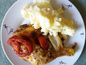 Sült csirkecomb krumplipürével