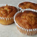 Sütőtökös muffin asztalon