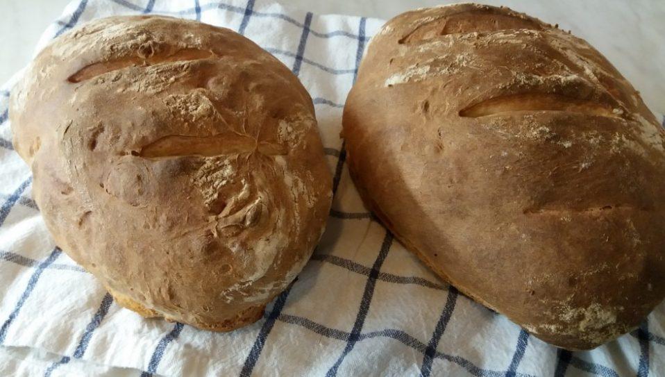 2 darab fehér kenyér