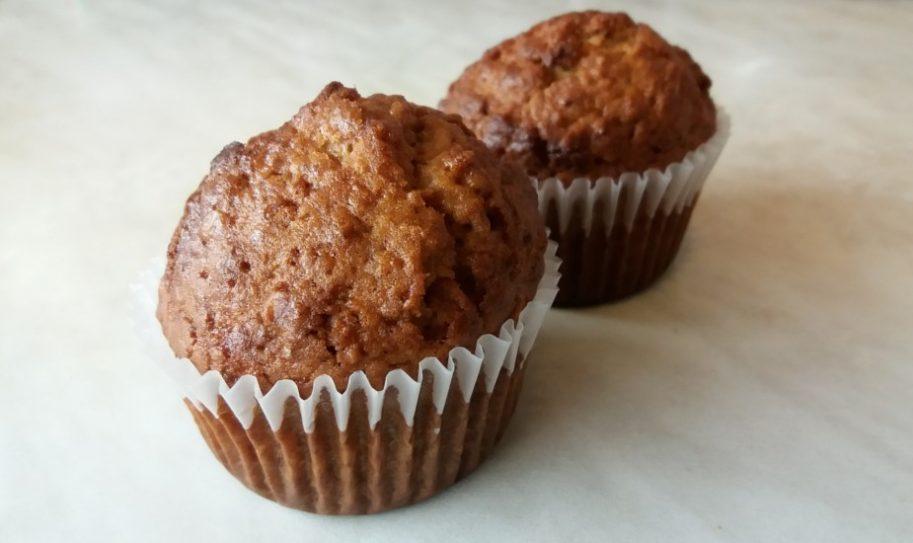Zabpelyhes muffin asztalon
