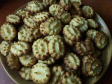 Citromos kekszek tányéron