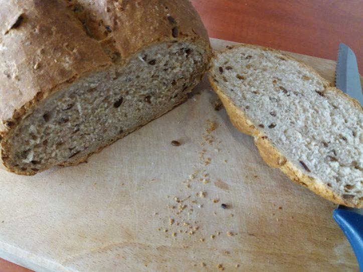 Kovászos kenyér felvágva