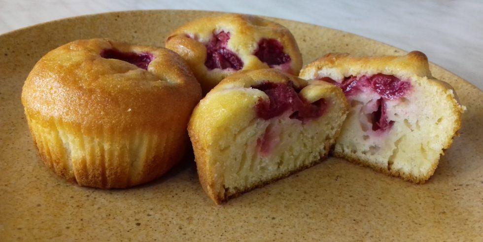 Palacsinta muffin tányéron